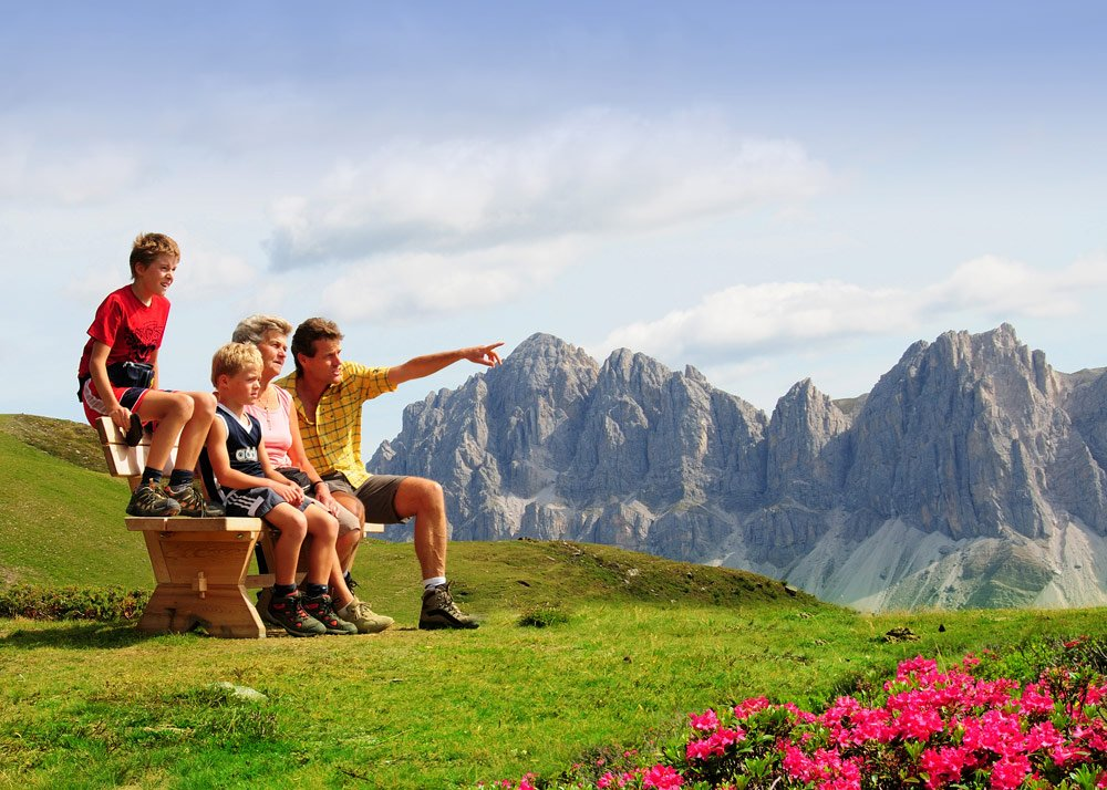 Nature experiences in high alpine scenery on a family vacation in Bressanone/South Tyrol