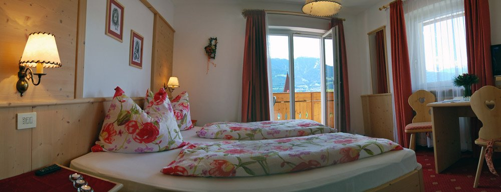 Guest rooms at the Weidmannshof - Cosy accommodation in Bressanone