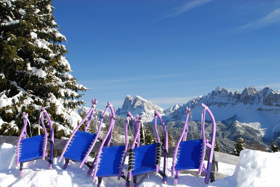 """Winter holiday fun at the """"Kinderland"""" on Mount Plose"""