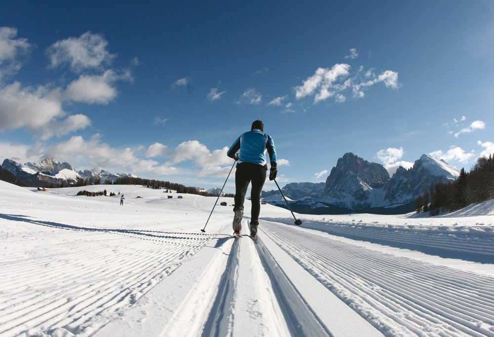 Cross-country skiing on snowy mountain plateaus